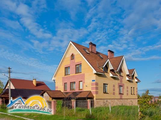 Гостевой дом «Три клёна»